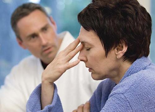 Отравление красной икрой: симптоми, первая помощь, лечение