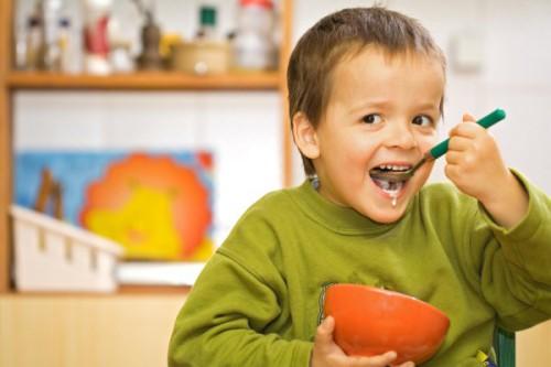 Отравление у ребенка: симптоми, первая помощь, препарати, лечение