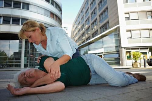 Синильная кислота в косточках: признаки отравления, первая помощь