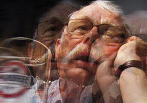 Признаки алкоголизма у мужчини: три этапа развития болезни