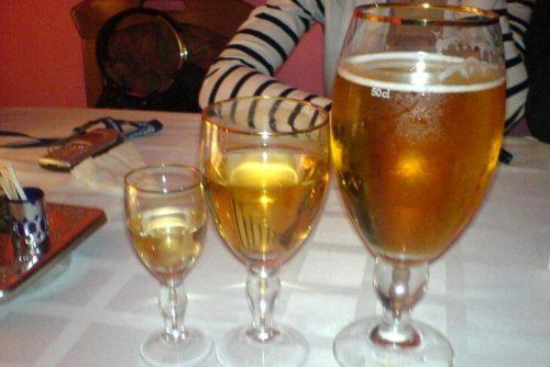 Спиртное в бокалах