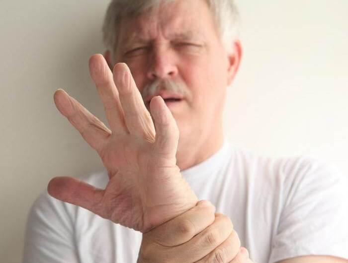 От чего руки трясутся что делать