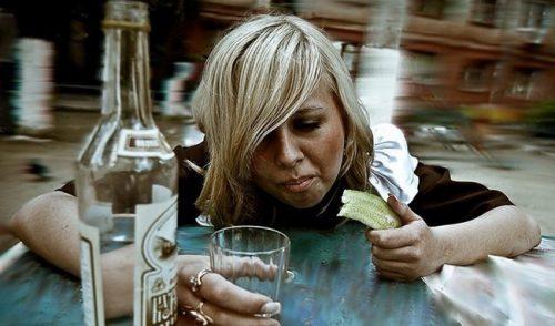 Женский алкоголизм симптоми, причини, стадии развития