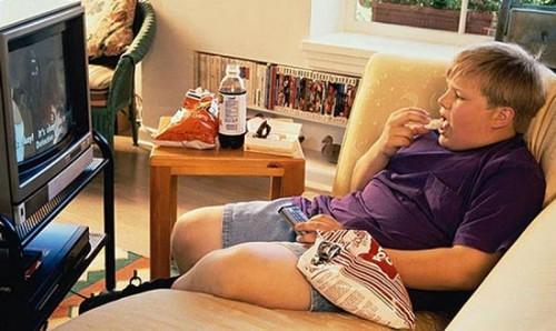 Нельзя есть перед телевизором