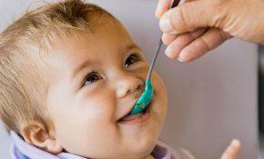 Чем нужно кормить ребенка, если у него отравление и рвота