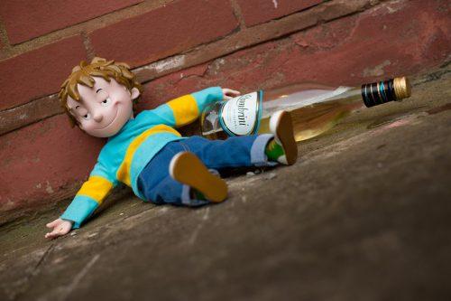 Кукла алкоголик