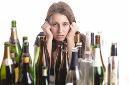 Женщина и спиртные напитки
