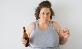 Основные симптомы пивного алкоголизма у женщин