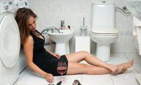 После пьянки тошнит: что делать