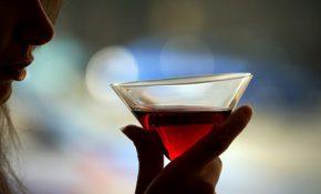 На какие признаки женского пьянства обращать внимание